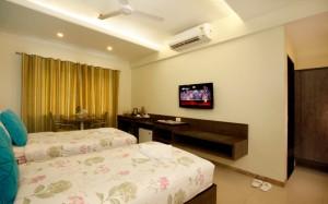 tamanna-hotel-room2
